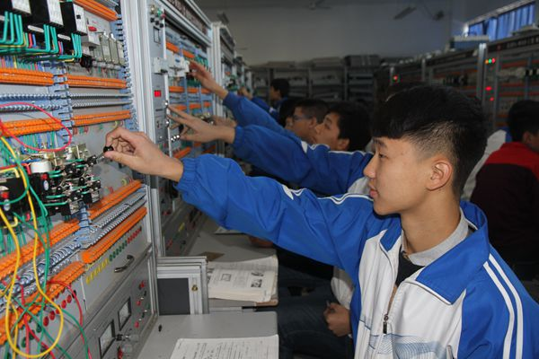 电子电工实训课(1)
