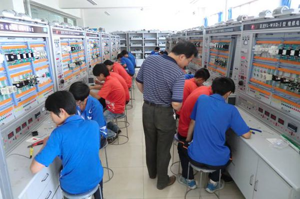 电子电工实训课(3)