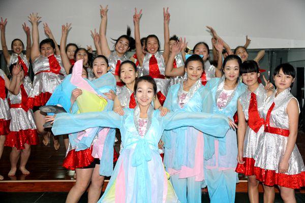 舞蹈社合影