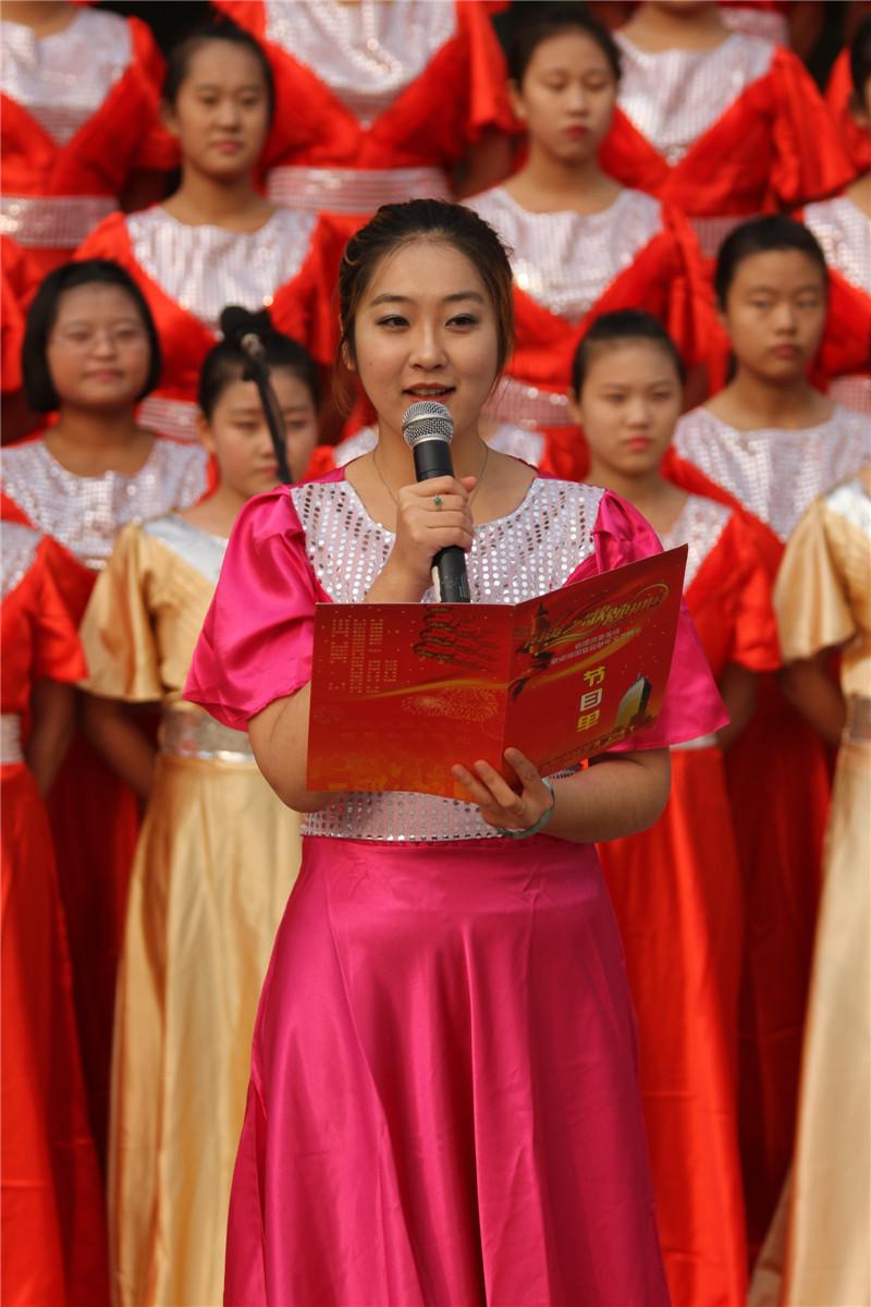 """第六届""""唱红歌、诵经典""""班级风采大赛11"""