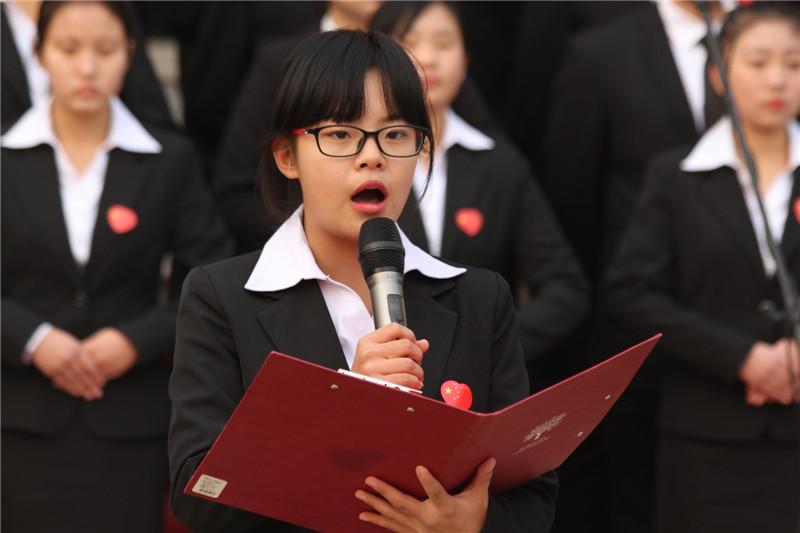 """第六届""""唱红歌、诵经典""""班级风采大赛15"""
