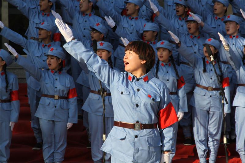 """第六届""""唱红歌、诵经典""""班级风采大赛24"""
