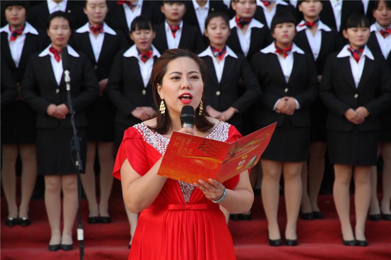 """第六届""""唱红歌、诵经典""""班级风采大赛27"""