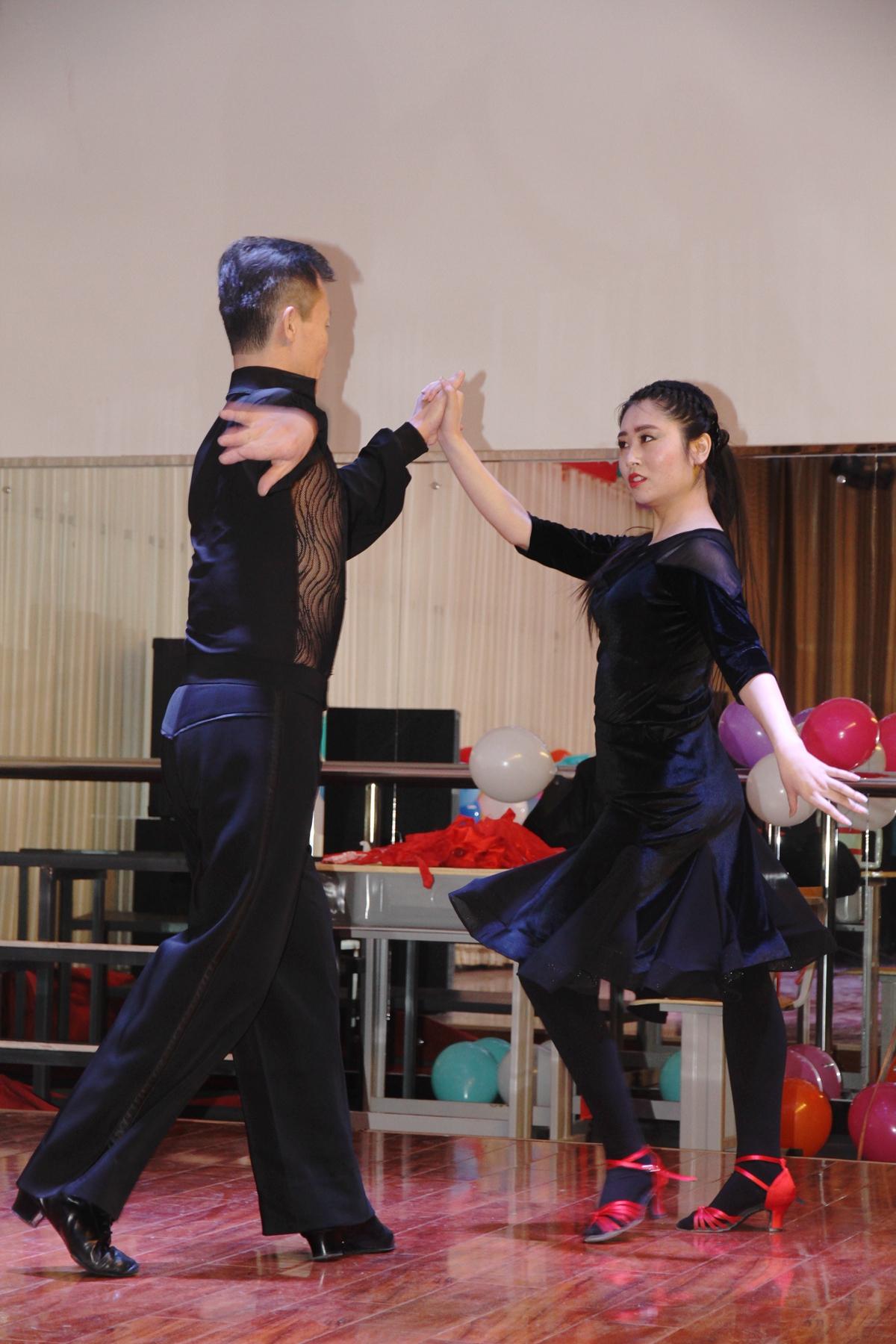 2018新年联欢会《拉丁舞》(2)